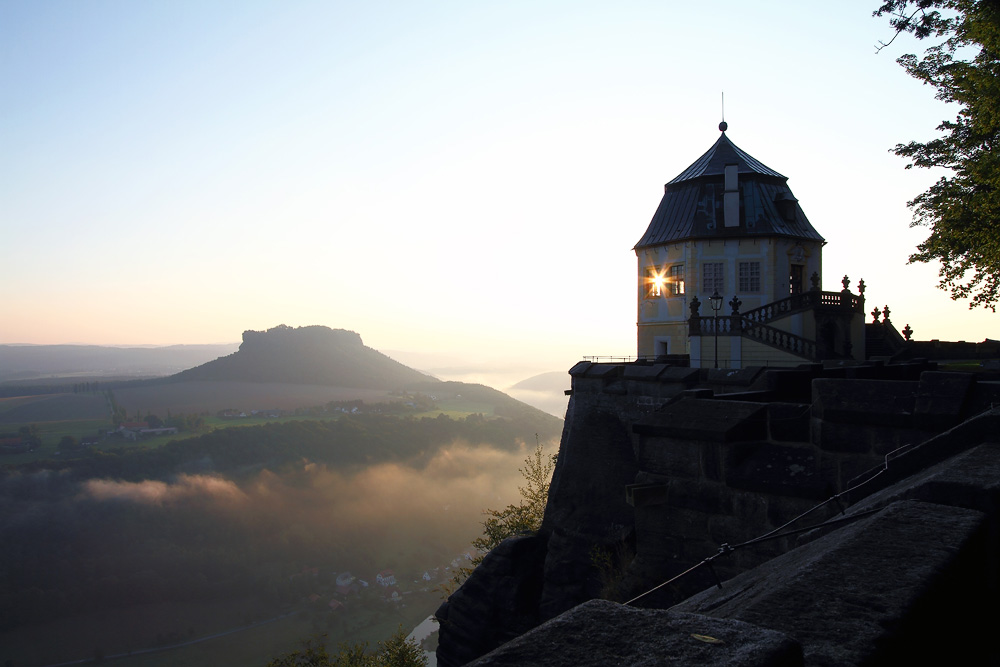 Lilienstein und Friedrichsburg im Morgenlicht