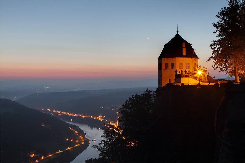 Blick auf die Friedrichsburg und die Elbe