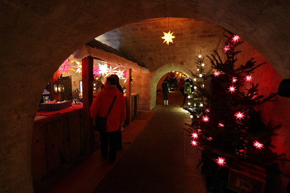 Blick in die Kasematten beim Weihnachtsmarkt der Festung Königstein