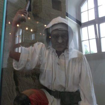 Bergmannsfigur in der Ausstellung zum Brunnenbau