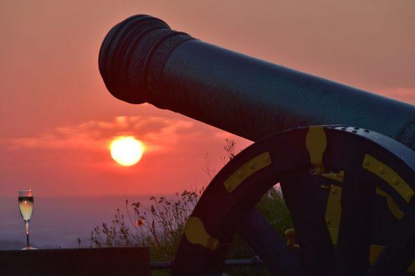 Sundowner-Sekt an der Georgenbatterie © Festung Königstein gGmbH