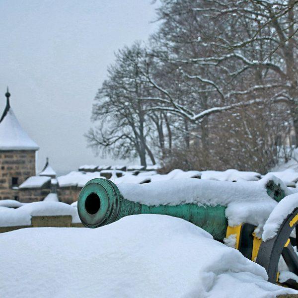 Kanone & Wachtürme an der Südseite
