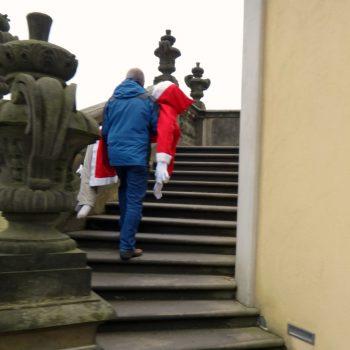 Auf der Treppe der Friedrichsburg