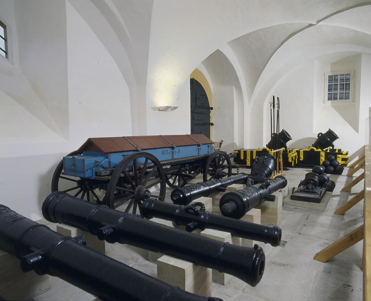 Kanonen im Alten Zeughaus