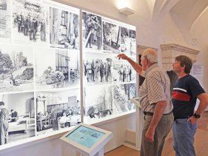 Zeitzeuge des Jugendwerkhofes in der Dauerausstellung