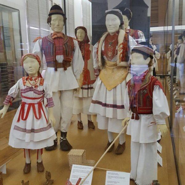 Trachten im Ethnographischen Museum