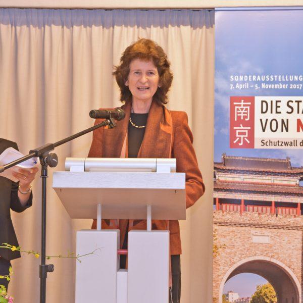 Grußwort von Kunstministerin Dr. Eva-Maria Stange