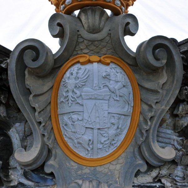 3. Anstrich mit Rahmung und Krone
